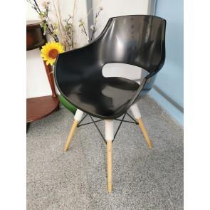 Trpezarijska stolica OU-D02 crna